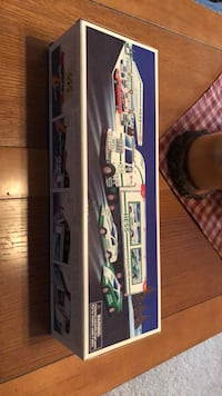 HESS TRUCK AND RACERS BRAND NEW Littlestown, 17340