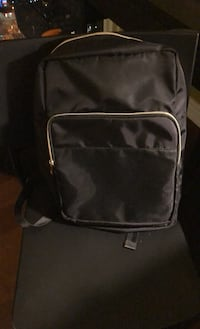 Backpack Toronto, M5G 0A5