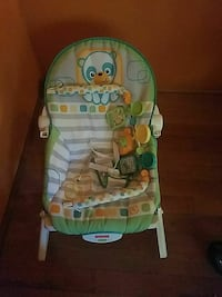 baby's green and white bouncer Virginia Beach, 23453