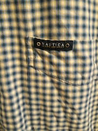 LONG SLEEVE MENS BUTTON DOWN size L