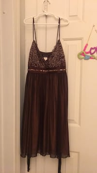 Women's brown spaghetti strap dress Size small brand new warn once Anderson, 35610