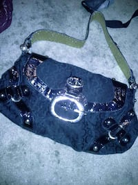 Black guess purse Surrey, V3S 3H8