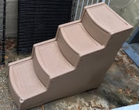 Large DOG steps W cover Baltimore