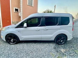 2015 Ford TOURNEO CONNET 96360ee3-4f18-41fb-82a1-57d8f0597c82