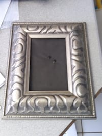 Vintage Picture Frame over 30 years old black felt backing HIGH QUALITY Syracuse