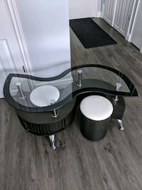 Glass coffee table with 2 ottomans  Toronto, M8W 3P5