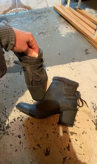 Boots like new. Size 6. Look for more on my page  Islip, 11751