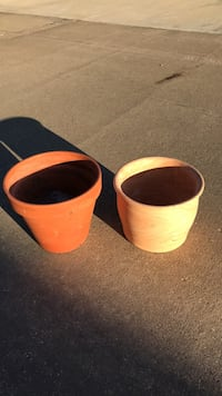 2 flower pot s. College Station, 77845