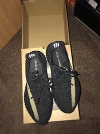 Pair of black adidas yeezy boost 350 with box 506 mi