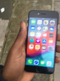 Buying iPhones  London, SE13 5DT