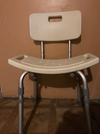 white and gray high chair Chicago, 60609