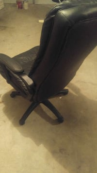 Really comfortable leather deck chair Atlanta, 30305