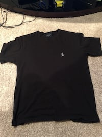 Black crew-neck t-shirt Calgary, T2Z 0N9