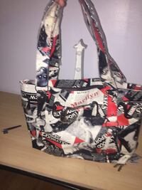 white, black, and red leather tote bag Québec, G1L