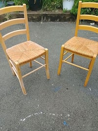 two brown wooden windsor chairs Manassas Park, 20111