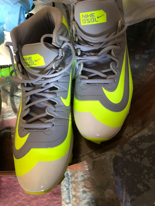 eb6f6f077c7 Used Nike BSBL size 10.5 adult brand new for sale in San José - letgo