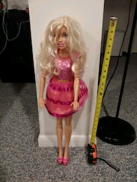 2' tall Barbie doll Macungie, 18062