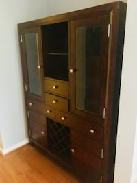 Brown wooden cabinet with drawer. Almost new   Sterling, 20165