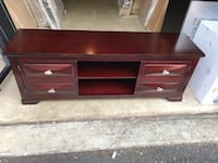 Tv stand very good condition Centreville, 20121