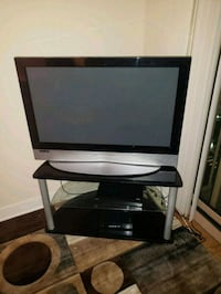 36 inch LG HDTV with TV Stand  Arlington, 22203