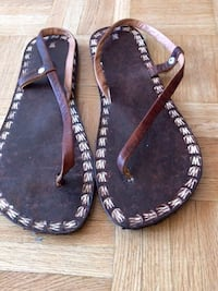 Leather slippers Mississauga, L4Z 3N4