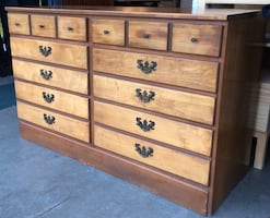 Salem Square 6 Drawer Solid Wood Dresser Chest