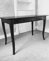 Beautiful Antique Black Brown Writing Desk in perfect condition Toronto, M6G 2V3