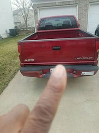 2003 Chevrolet S-10 2WD Extended Cab Base w/3rd Door