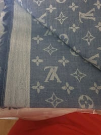 Loui Vuitton authentic blue scarf Greater London, SM6 9HJ