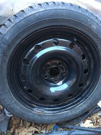 Snow tires and rim 16 inch Vaughan, L6A 1E4