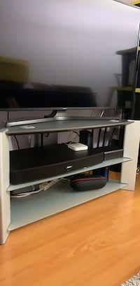Sony glass TV stand, 38Lx18.5Wx20H