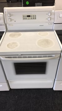 GE ELECTRIC stove — warranty and delivery  Toronto, M3J 3K7