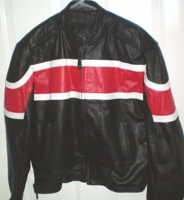 RoadGear Leather Motorcycle Jacket Size 44 or Large 902d2a25-33ee-45c1-8905-764c0dbfd2cd