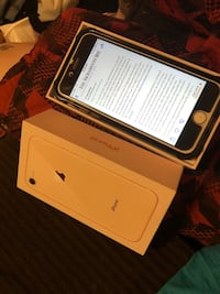 Gold iphone 8 with box Stockton, 95205