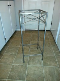 Metal stand just need top SeaTac