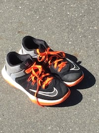 Nike air versatile 2 North Saanich, V8L