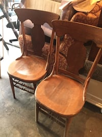 Two vintage chairs in good condition  Gaithersburg, 20882