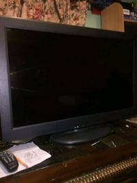 "Panasonic LCD TV 32"" Jersey City, 07307"