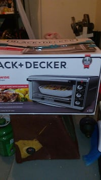 black Black and Decker convection toaster oven box El Paso, 79936