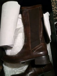 pair of brown leather boots Teaneck, 07666
