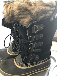 Sorel lady's boots size 9