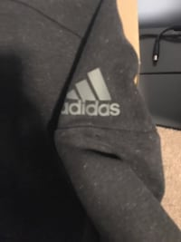 Small adidas sweater  Cambridge, N3C 4M9