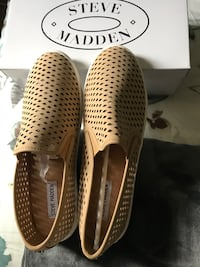 Steve Madden canvas shoes,11w or 12m.brand new Markham
