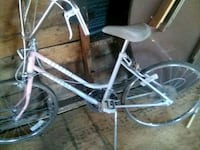 Female Old School Huffy.GOOD CONDITION.