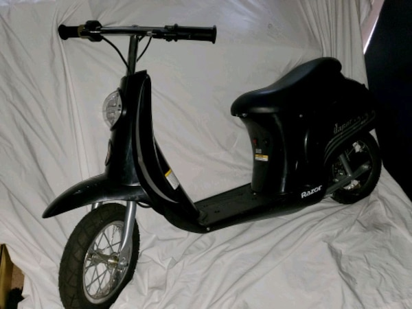Sit Down Scooter >> Razor Vapor Sit Down Scooter