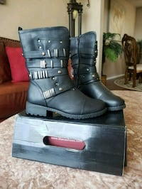 Brand new size 6 boots Broken Arrow, 74012