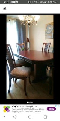 Dining room set Real wood excellent condition Laval, H7M 4A2