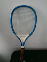 blue and white tennis racket New Haven, 06513