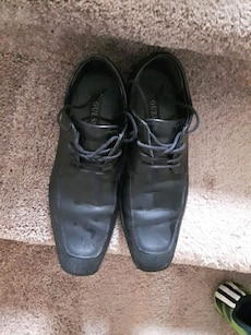 black Guess leather lace-up bshoes