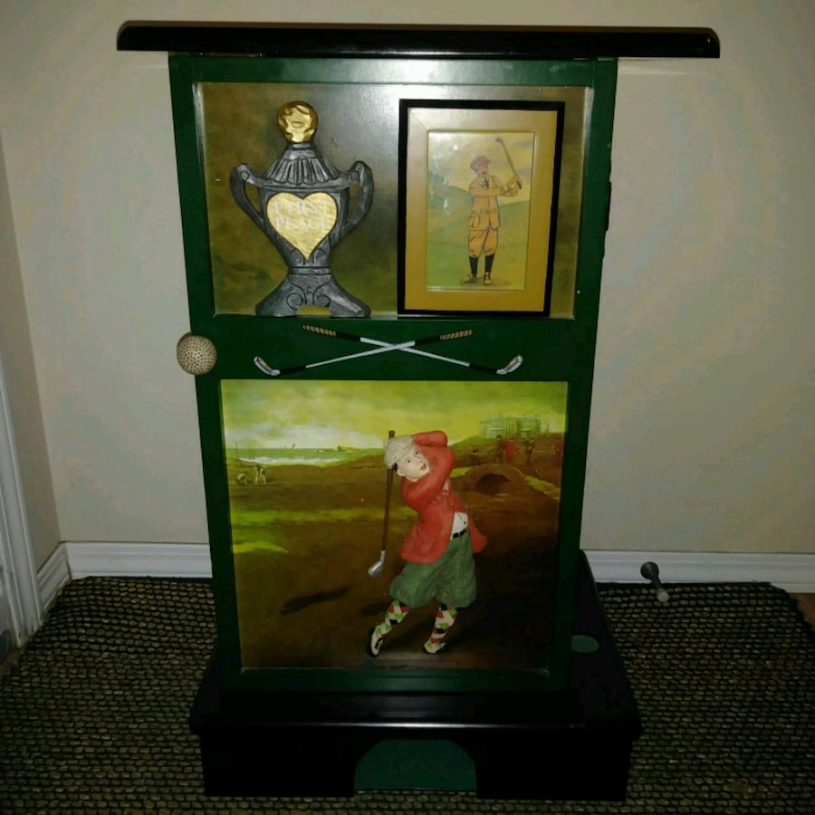 Preowned: golf side / night table for the golfer with practice hole